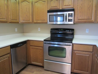 12930 Twin Meadows Ct - kitchen