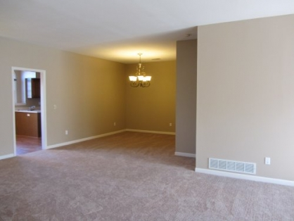 12930 Twin Meadows Ct - dining room