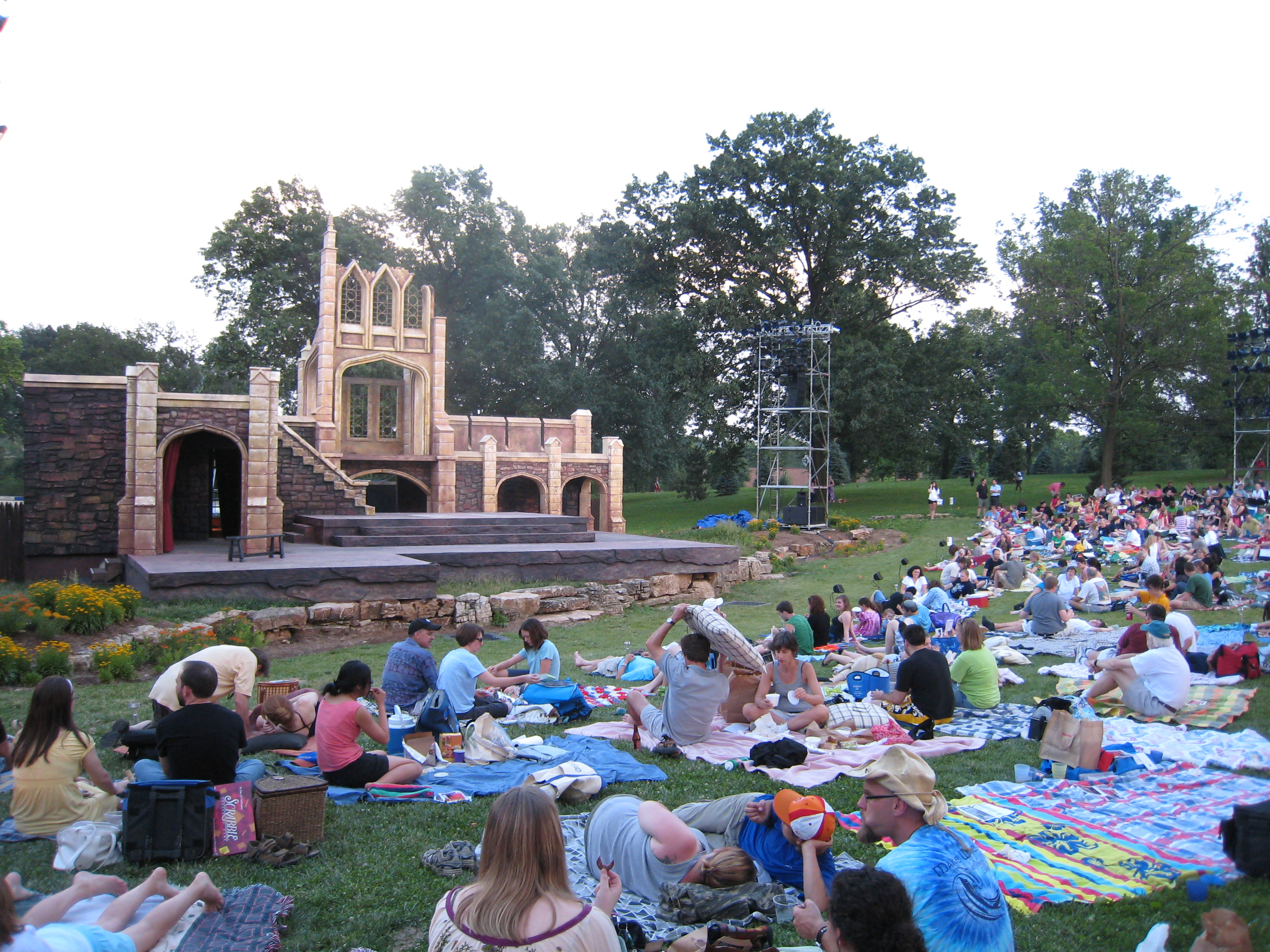 Shakespeare Festival St. Louis blanket seating and stage