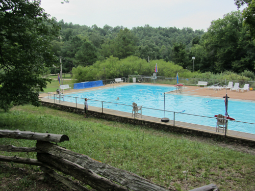 Sherwood Forest Camp - swimming pool