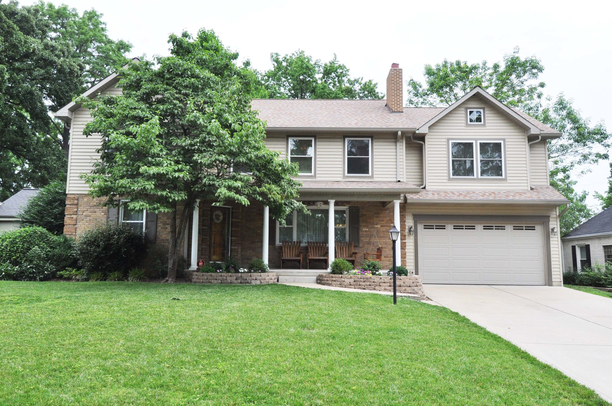 WEBSTER GROVES: 5 Villawood Lane (63119)