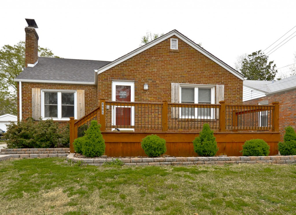 8905 Moritz Ave, Brentwood, MO 63105
