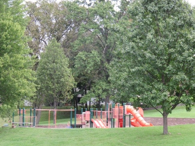 St. Louis in Photos: White Birch Park (Hazelwood) - Arch City HomesSt. Louis in Photos: White Birch Park (Hazelwood) - Arch City Homes