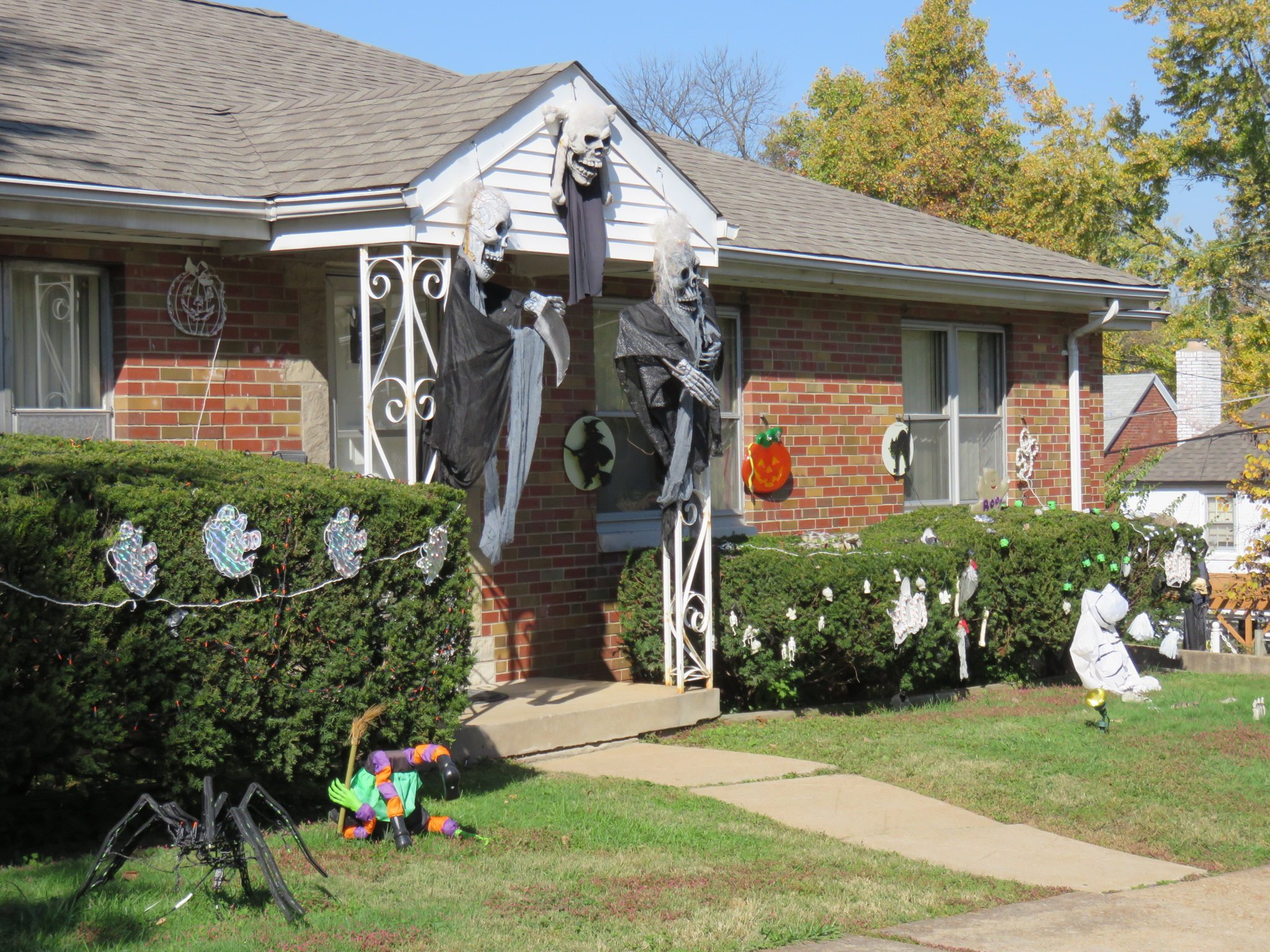 St. Louis Yards Get Ghoulish for Halloween