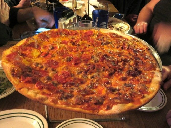 Exploring St. Louis One Meal at a Time: Serra's Pizzeria (Maryland Heights) | Arch City HomesExploring St. Louis One Meal at a Time: Serra's Pizzeria (Maryland Heights) | Arch City Homes