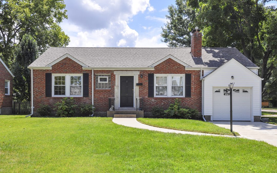 WEBSTER GROVES: 502 Larkhill Ct (63119)